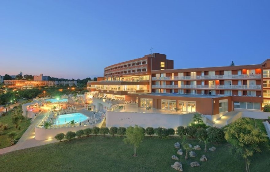Zelena Resort - Hotel Albatros Plava Laguna - 17 Popup navigation
