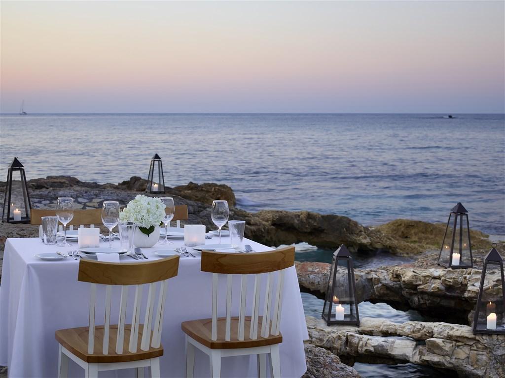 Creta Maris Beach Resort - 82 Popup navigation